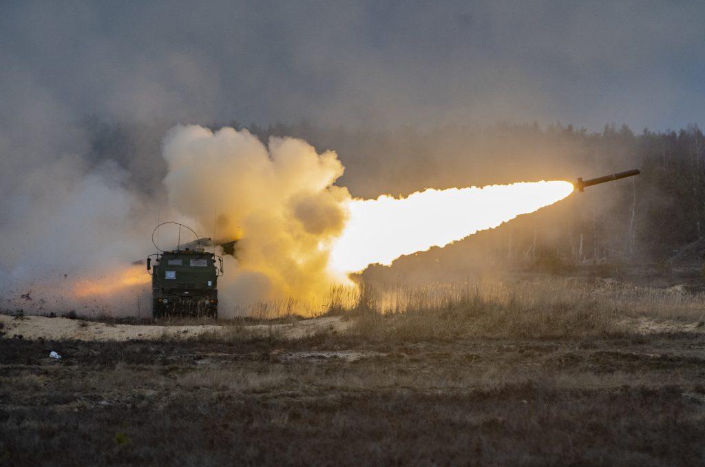 Американські військові уже замовили роботи по збільшенню дальності стрільби комплексу PrSM до 1000 кілометрів. І також - по включенню для цього ракетного комплексу опції ураження надводних цілей