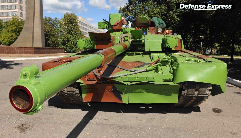 Одне з найбільш яскравих фарбувань танку