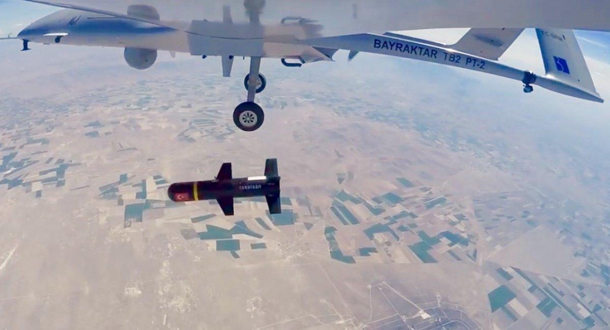 Він був за кадром - розвідувально-ударний безпілотний комплекс Bayraktar TB2